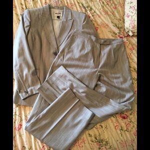 Kasper 10P pinstriped suit jacket & pants